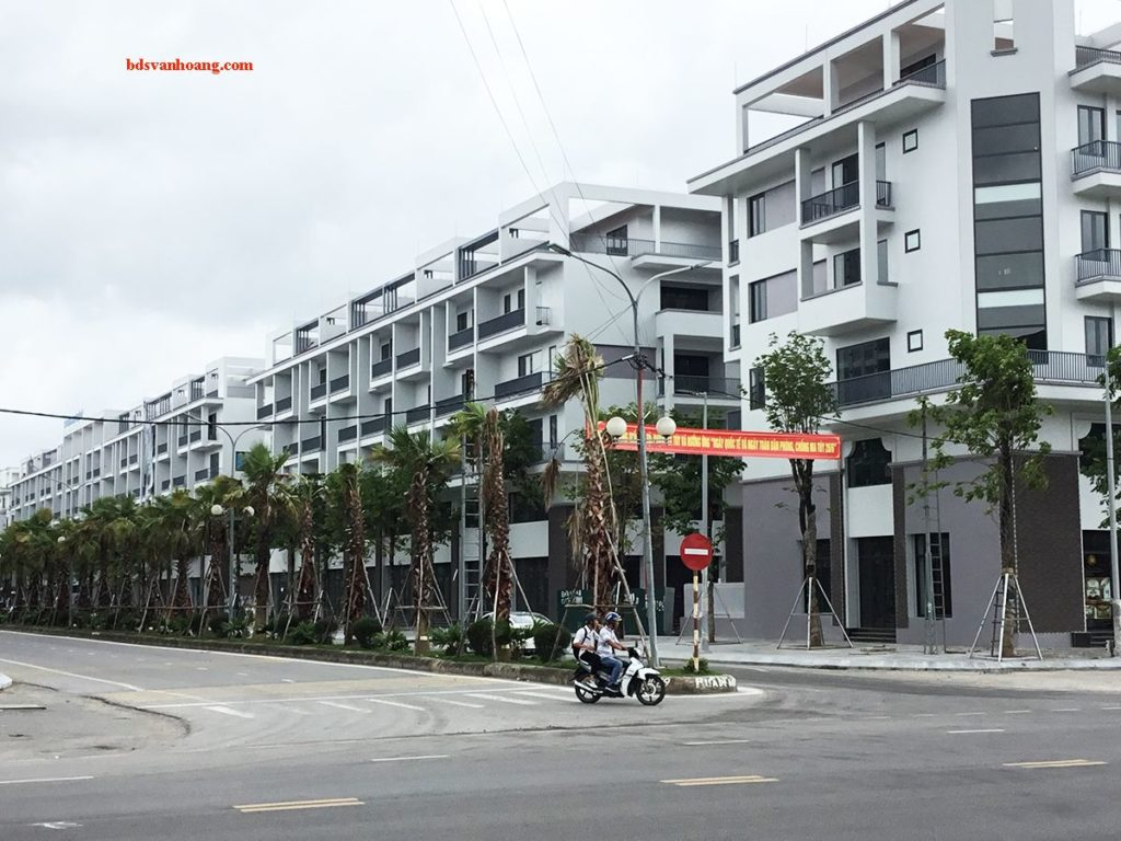 Nhà Phố Mon Bay